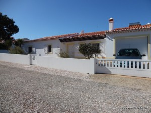 FOR SALE: Sector L, 3-bedroomed villa