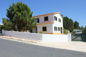 Vale da Telha, Sector E – 4/5-bedroomed villa with pool FOR SALE